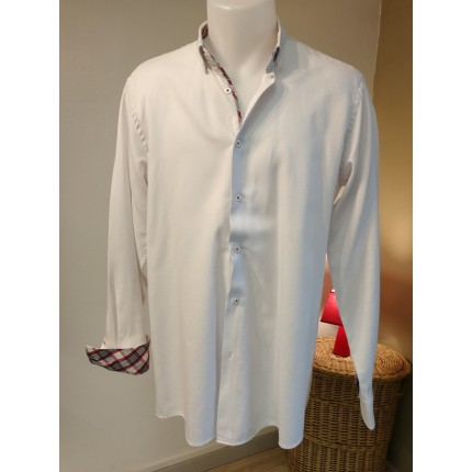 chemise blanche boutons cousus rouge