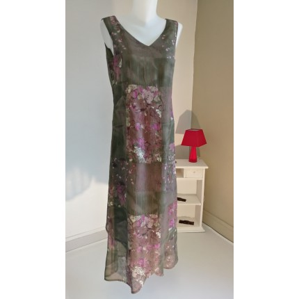 Robe longue sans manches verte fleurs roses
