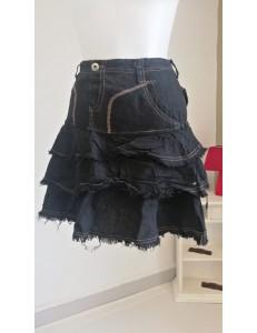 Jupe noire à 3 volants poches plaquées