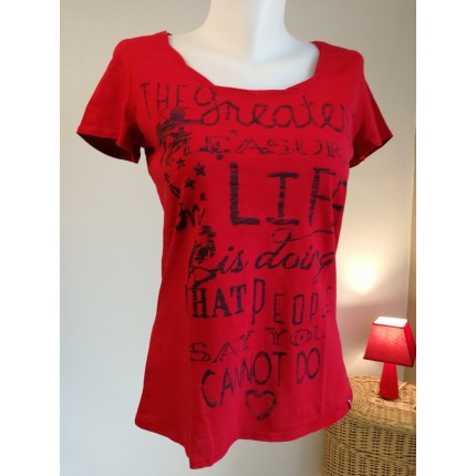Tee shirt rouge inscriptions marine