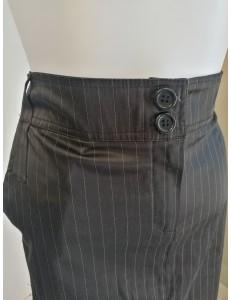 Jupe satinée noire rayée gris