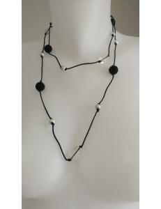 Sautoir perles noires et blanches